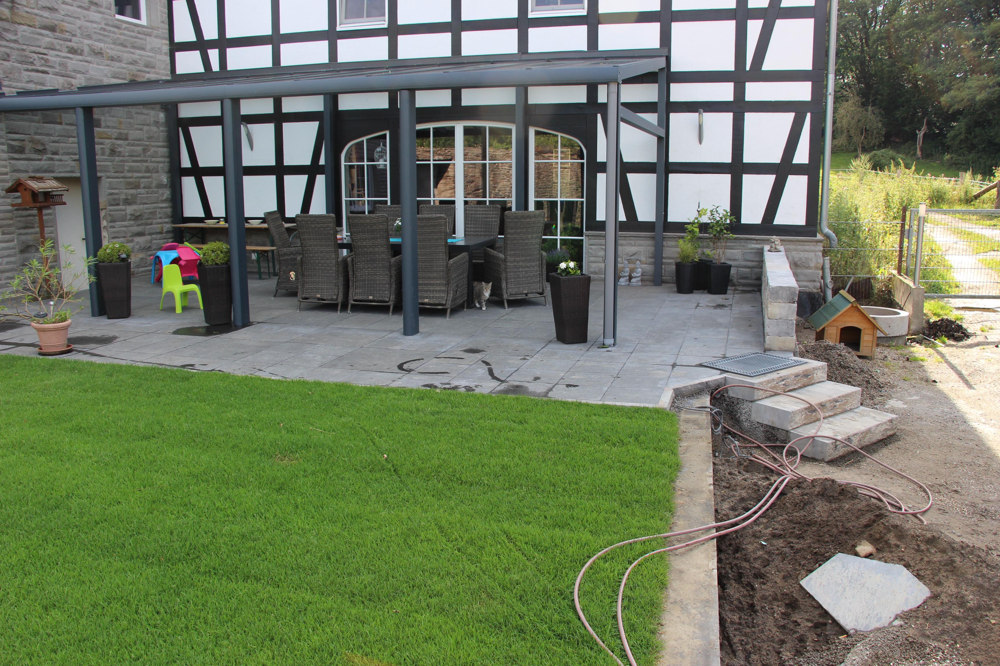 terrasse und rollrasen fl che in wetter andreas hanik garten und landschaftsbau. Black Bedroom Furniture Sets. Home Design Ideas